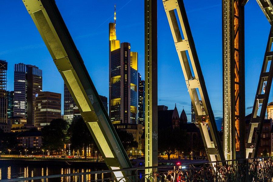 Fotokurs 22.10.19, 17:00-20:00: Blaue Stunde und Nachtfotografie